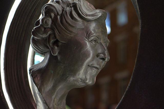 Agatha Christie Monument - image via Pixabay