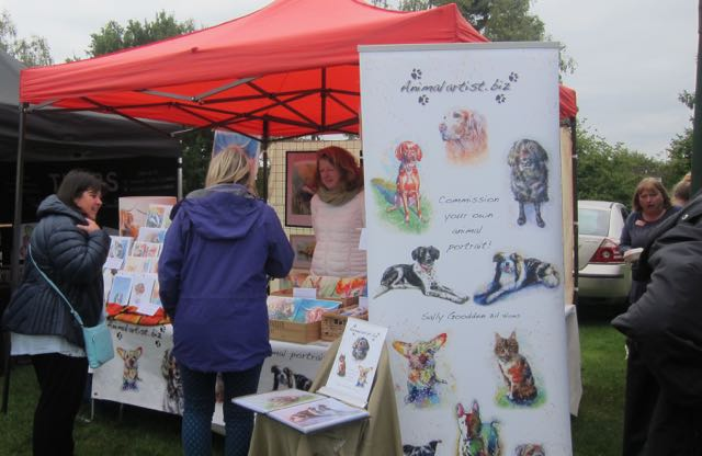 Animal artist Sally Goodden at Hiltingbury Extravaganza 17 Sep 2017.