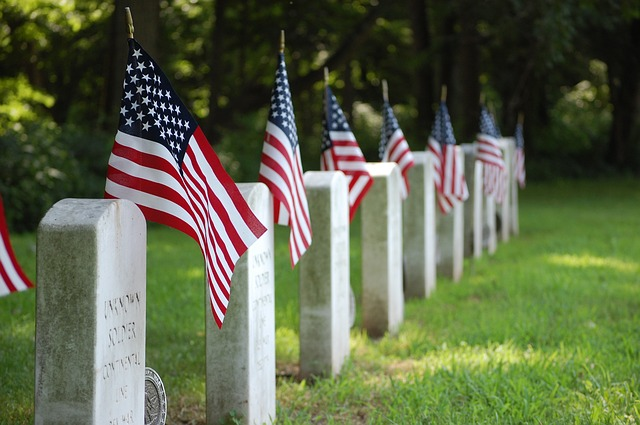 American war graves. Image via Pixabay.