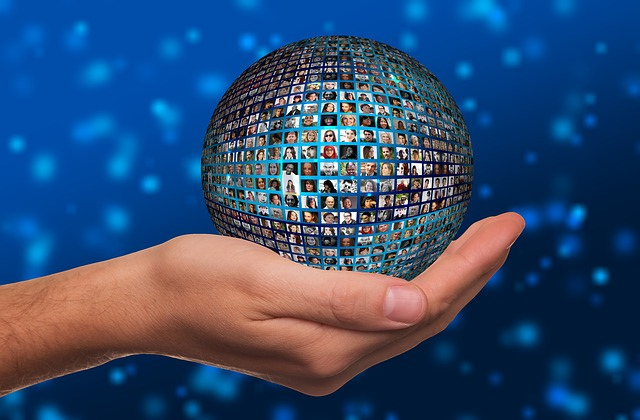 Linking up communities - image via Pixabay