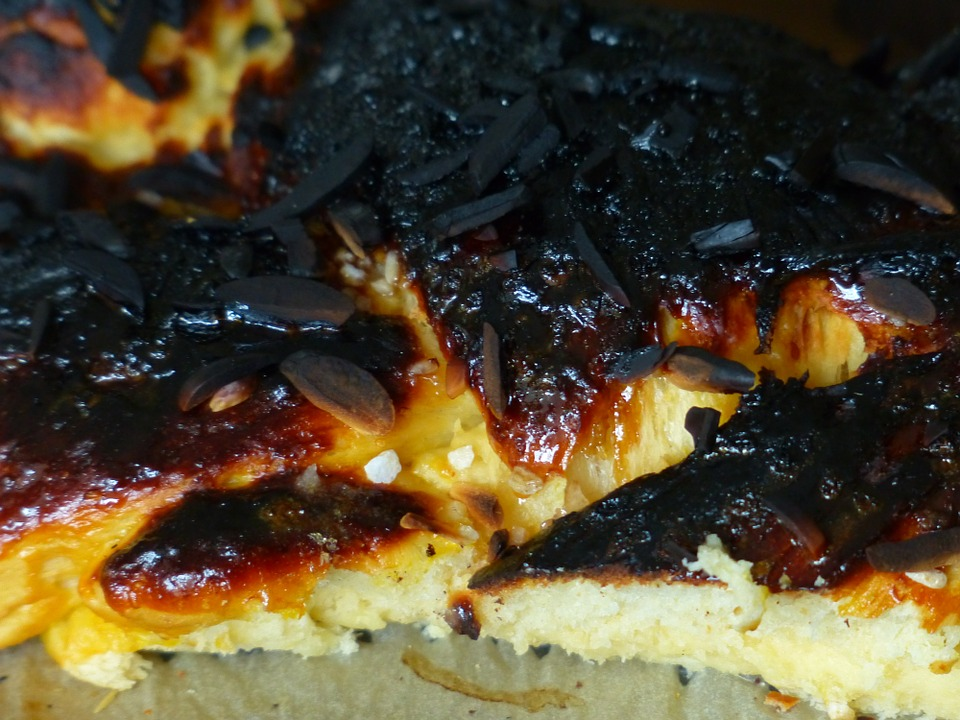I wonder if King Alfred's burnt cakes looked anything like this - image via Pixabay