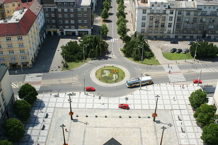 Part 5 - Spot the problem on this roundabout