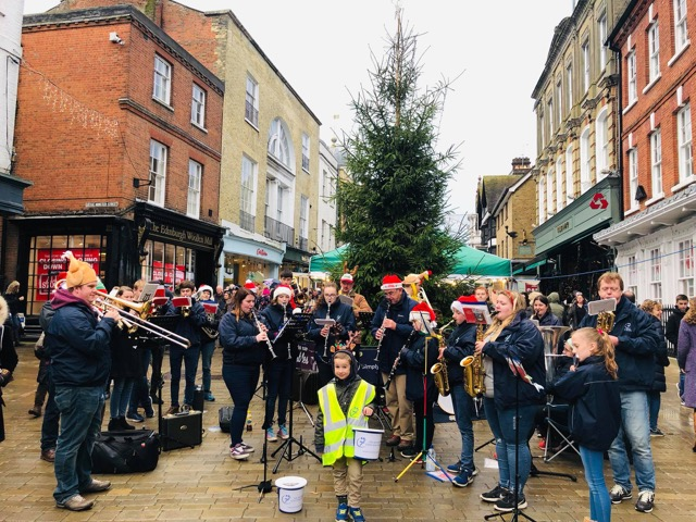 The Spitfires at Winchester Buttercross 2018
