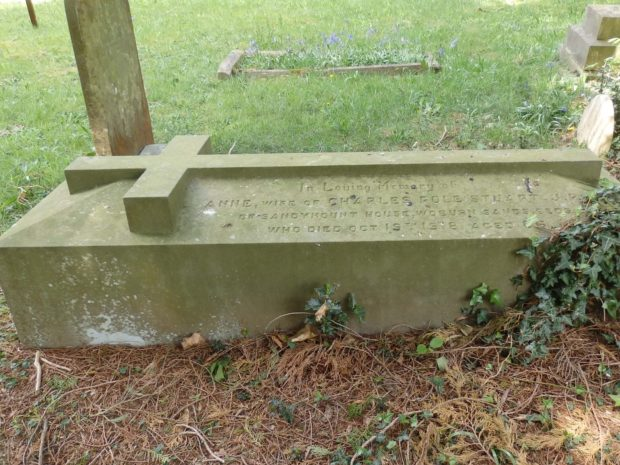 Grave at Pine Road cemetery of person who lived in bedfordshire