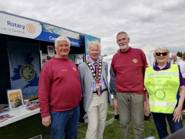 Councillor Bruce Tennent with members from Eastleigh Rotary club.