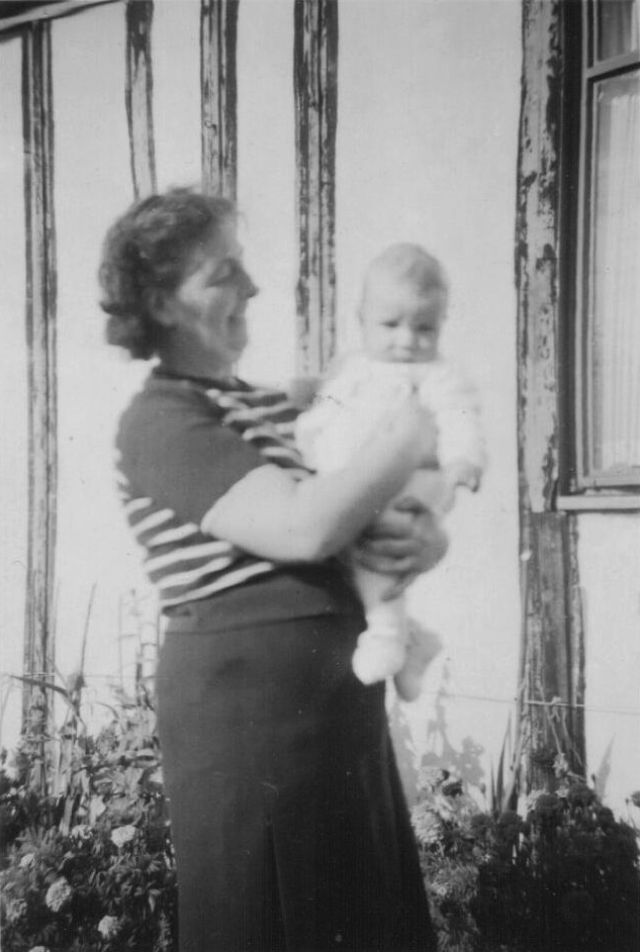 PHOTO 13 - Mrs Honeycomb from 40 Hook Road with Peter aged 4 months in October 1950