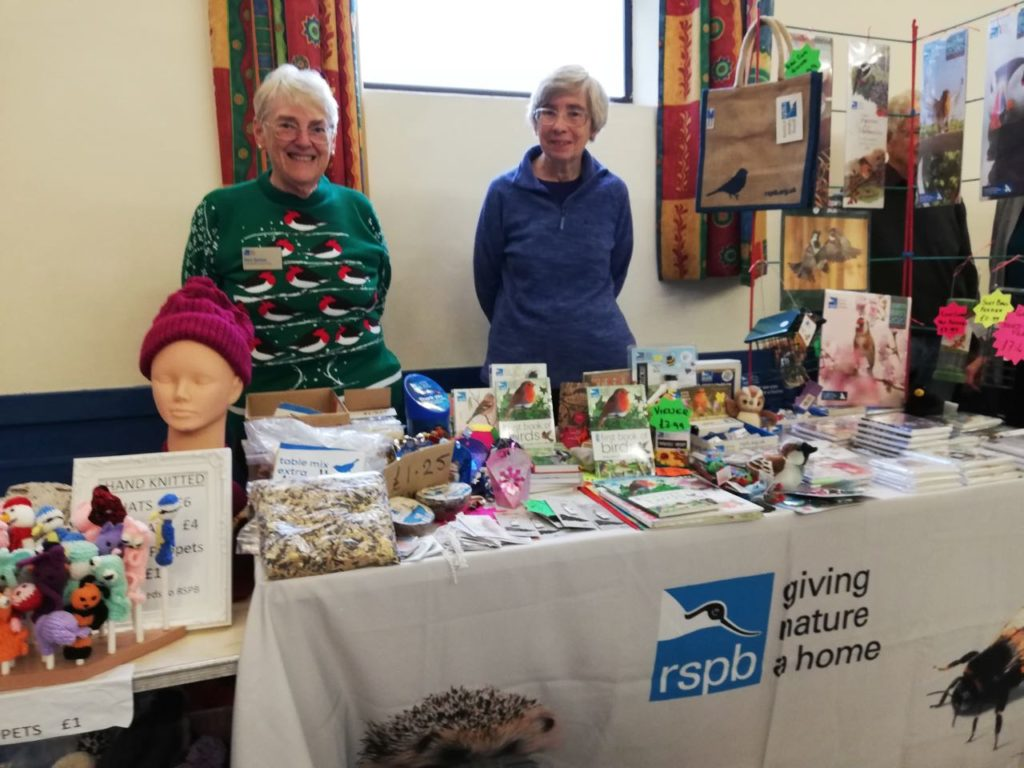 RSPB - beautiful hand-knitted scarves and toys.