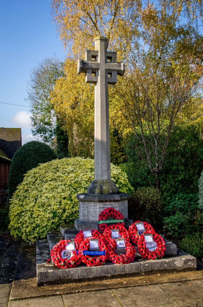 Chandler's Ford War Memorial. Remembrance Sunday 2019, Chandler's Ford, Eastleigh. Image credit: Debbie Pearce Photography