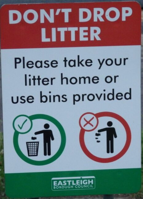 anti-litter sign from Eastleigh Borough Council